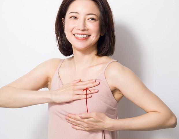 育乳セラピスト・森 絵里香さん流、お悩み別美乳マッサージ  _10