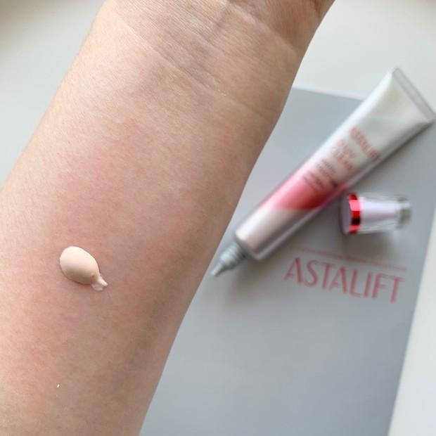 肌質・なりたい肌で選べる!ASTALIFT[アスタリフト]D-UVクリア2種の使用感・仕上がり・違いをスウォッチ多めでレビュー _4