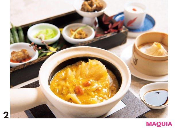 ランチセットも。「フカヒレと蟹肉のかけご飯」で4種の前菜、蟹肉入り小籠包、デザート付き。¥3800