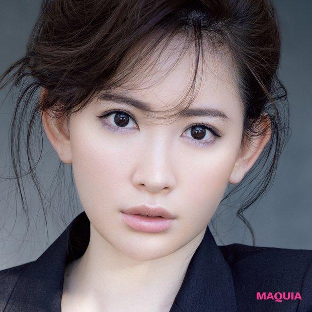 9月号表紙は小嶋陽菜さん! 「カッコいい」こじはるメイクの秘訣を解説