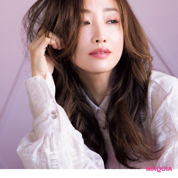 神崎さんの本命はピンク♡ 春色を今っぽく美人に取り入れるテクを公開!_1