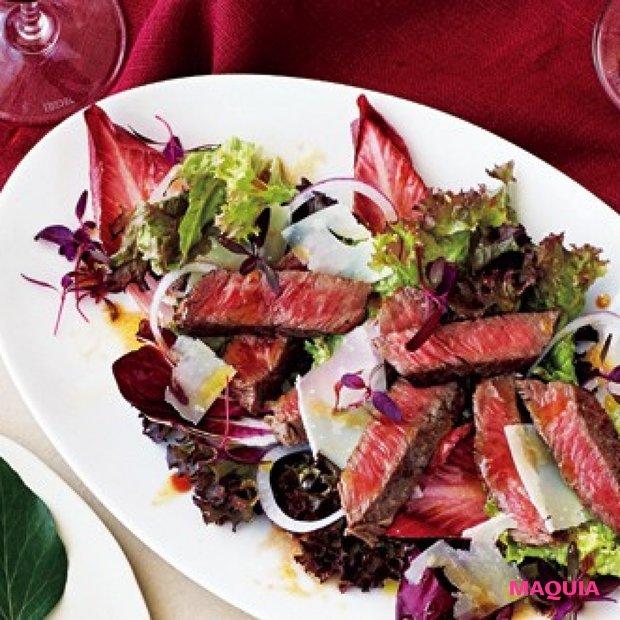 美ごはんレシピ。おもてなしにぴったり!赤い野菜のステーキサラダの作り方
