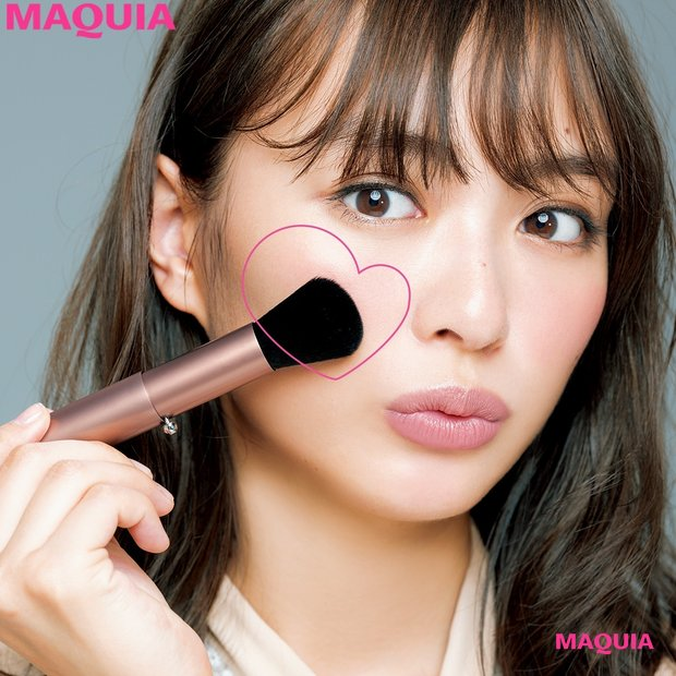 MAQUIA11月号特別付録を大解剖! 千吉良恵子さん監修のチークブラシはここがスゴイ