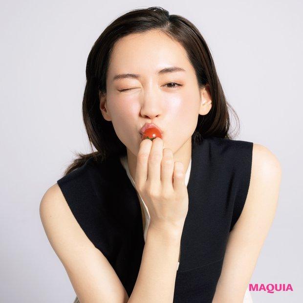 綾瀬はるかさんの食生活&メンタルケア。「体の声に耳をすませて、自分に優しく生きてます♡」