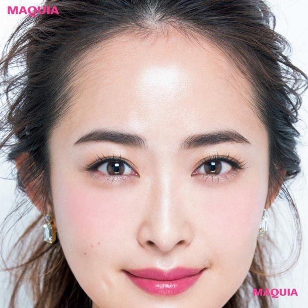 顔が一番美しく見えるのは「左右対称」!美人度をアップするメイク法【眉毛編】
