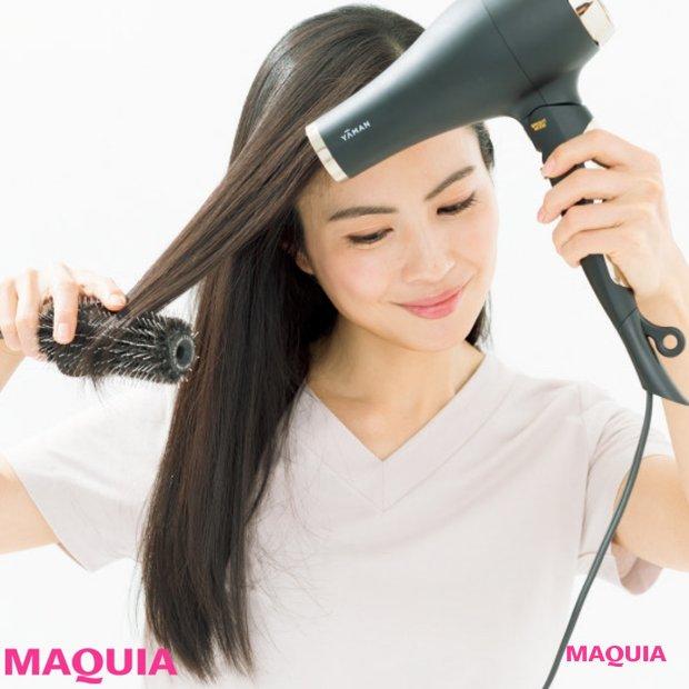 髪のエイジング「うねり」の予防と対策法は? オイルパック&丁寧なブローが効果大!