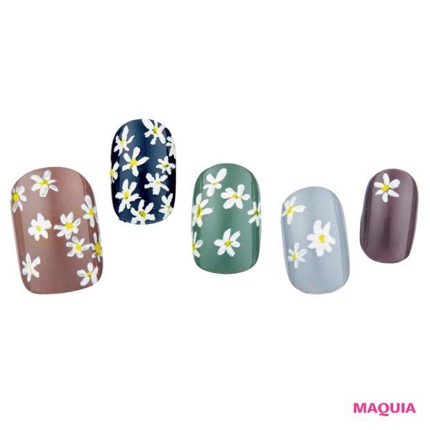 【Hand】大人の女性にうれしいシックな花柄ネイル