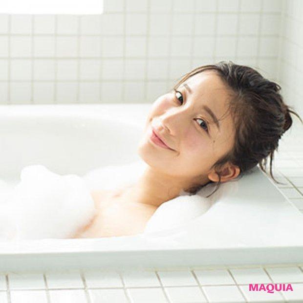 小倉優香のマシュマロ肌の秘密はミルククレンジング! 食事方法、トレーニング…お風呂の前は何してる?