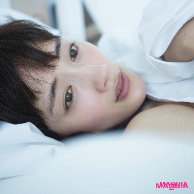 海で遊ぶ姿から寝起き姿まで、綾瀬はるかさんの最新写真集の一部を大公開!