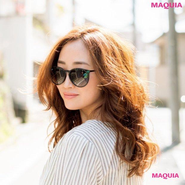 神崎恵さんのサングラスを味方にするメイク&ファッションの極意