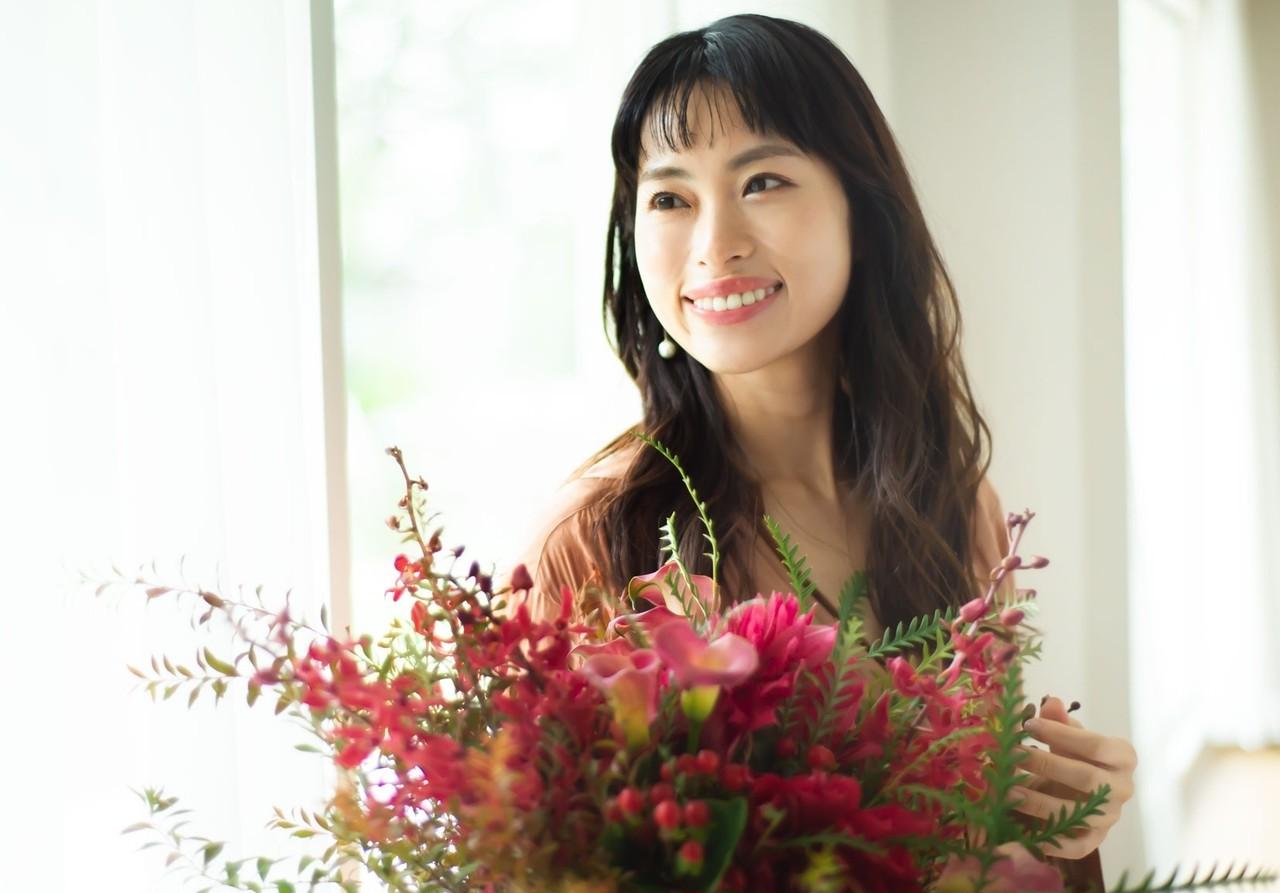 岡本静香さん「美容を通じて自分をもっと好きになれる」心まで引き上げる30代からのスキンケア _2