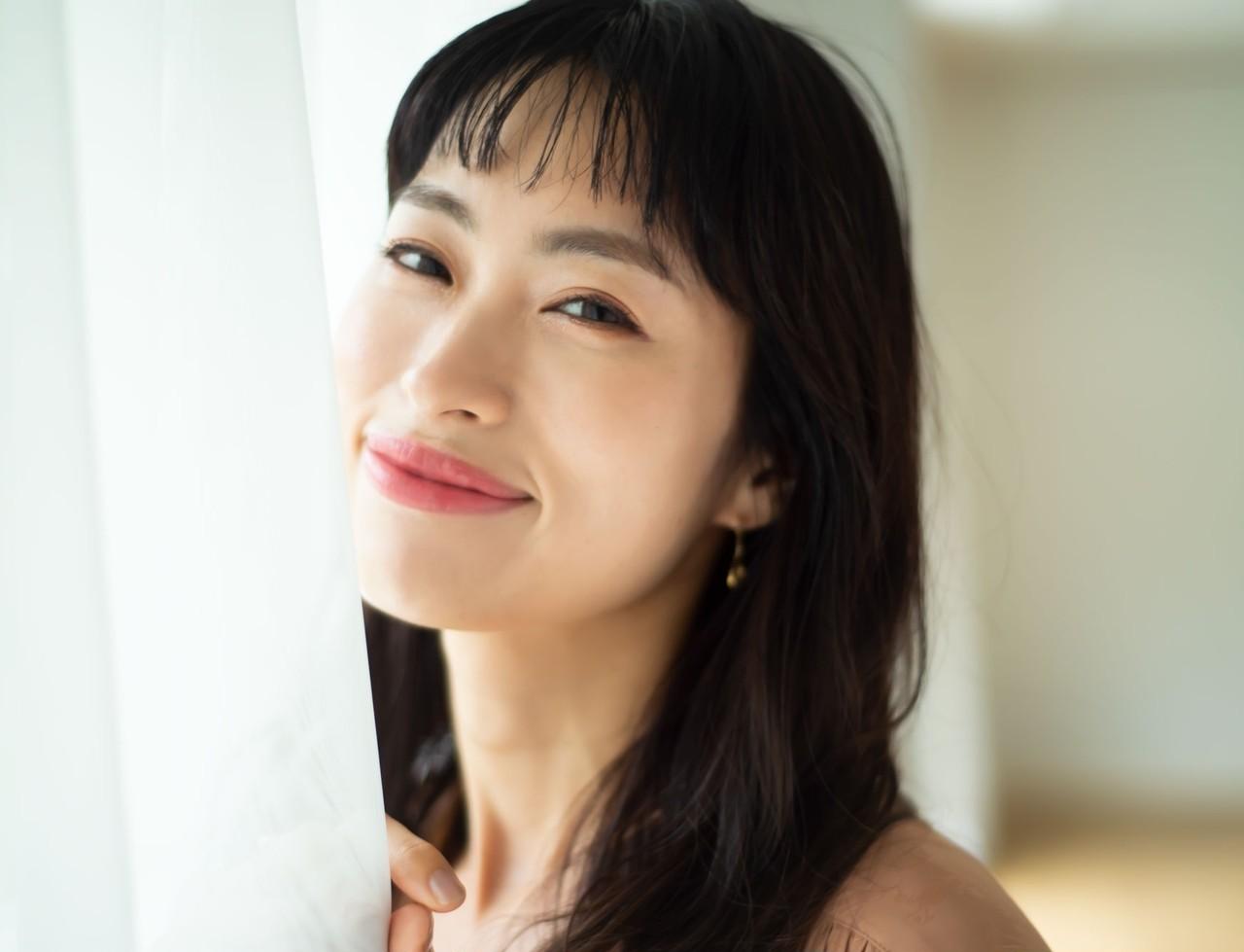 岡本静香さん「美容を通じて自分をもっと好きになれる」心まで引き上げる30代からのスキンケア _8