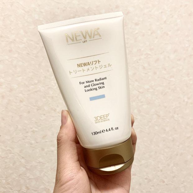 【NEWAリフト】石井美保さんも長年ご愛用!ひきしめ専用美顔器でフェイスラインスッキリ&口角の上がった笑顔づくり