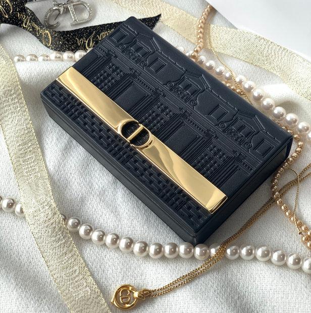 Dior【クリスマスコフレ2021】エクランクチュールアイパレット開封レビュー★色み・メイク方法も解説