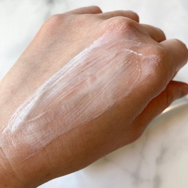 """紫外線から肌を守って、潤いある明るいハリ肌に♡♡""""DEW ブライトニングライン""""から日焼け止め美容液が新誕生!!"""